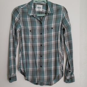 Long sleeve light weight flannel